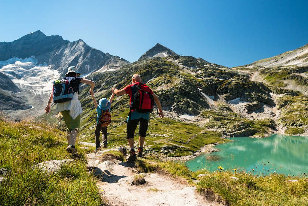 Hiking-with-Kids-How-to-Plan-Pack-and-Play